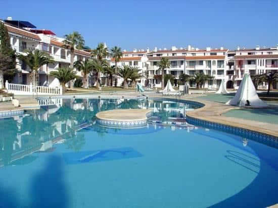 Kione Resorts El complejo de Multipropiedad Habitat Playa Romana afiliado a RCI está en una situación muy complicada. Nos está llegando propietarios con embargos en las cuentas bancarias por culpa de la multipropiedad